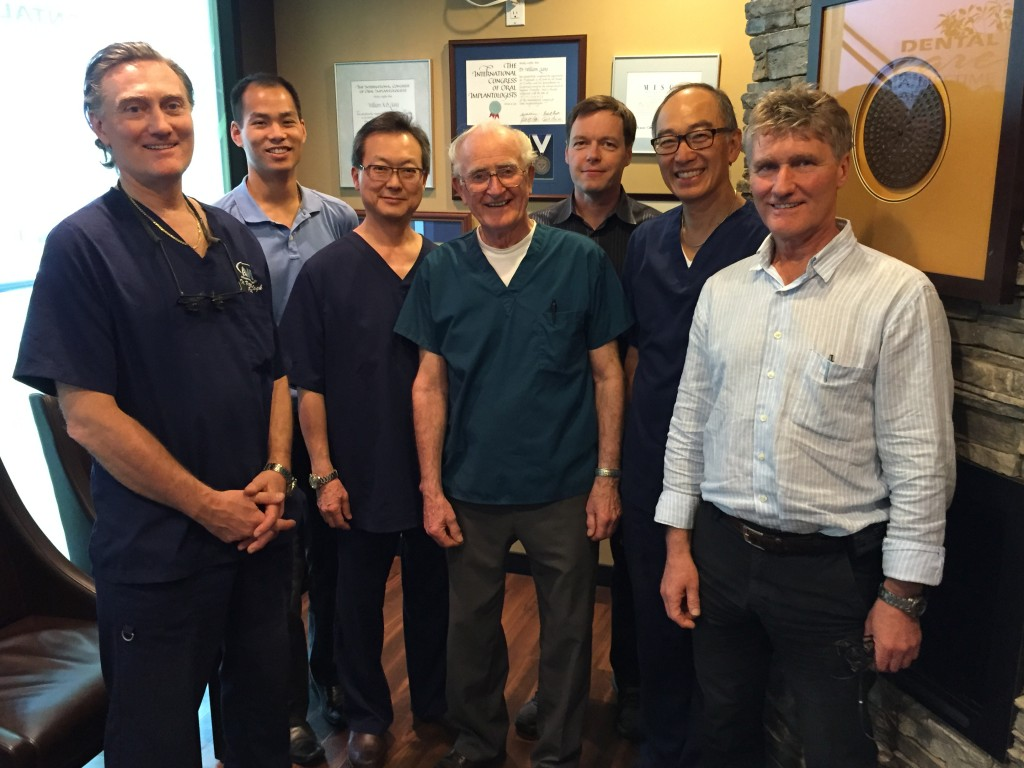 Successful oral implantology course with Dr. Ralph Roberts